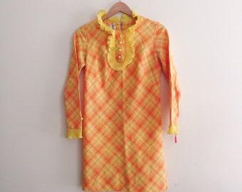 Vintage Mod Plaid Scooter Dress // Yellow & Orange Shift Dress // Retro Sheath Dress / Ruffle Collar Mini Dress - 1960s