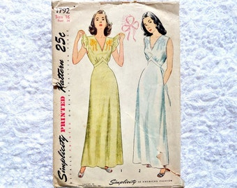 Vintage Simplicity 1792 Nightgown Pattern Embroidery Transfer 1946 Size 16