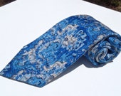 Vintage 1970s Wide Blue White and Black Abstract Polyester Tie