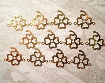 12 Goldplated 15mm 4 Leaf Clover Charms