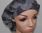 Bouffant Women's Scrub Hat,Gray Stitch Circle