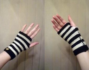 Simple Fingerless Mittens