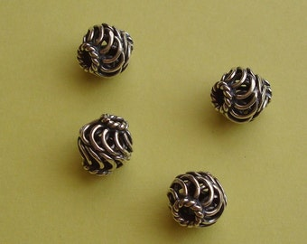 5 Round Beads / Spacers, Wire Ornamented, Bali Oxidized Sterling Silver .925, 8.8x8.3mm, SP219
