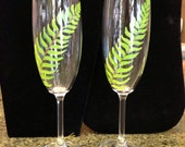 Hand Painted Fern Champagne Flute Set, Fern Toasting Set,Woodland Champagne Flutes, Woodland Wedding Flutes,Green Champagne Flutes