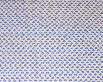 Fat Quarter Primary Blue Posy on White Cotton Fabric - 20 Inches x 24 Inches - Quilting, Sewing, Apparel, Beads and More
