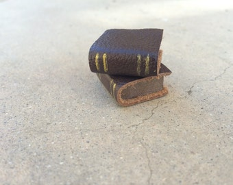 Stack of Two Books in Brown - Dollhouse Miniatures (S5)