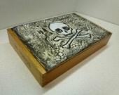 Skull & Crossbones CIGAR BOX