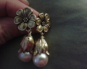 Luxury look of antique gold and pink freshwater pearls-drop earrings