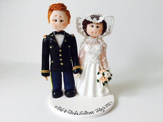wedding cake toppers army groom us army groom amp wedding cake topper custom made 26380