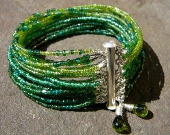 Czech Glass Bracelet, Glass Bracelet, Green Glass Bracelet, Green Bracelet, Handmade Bracelet, Womens Bracelet, Beaded Bracelet, Jewelry