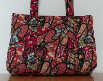 Red Black Green Tan Floral Print Quilted Purse