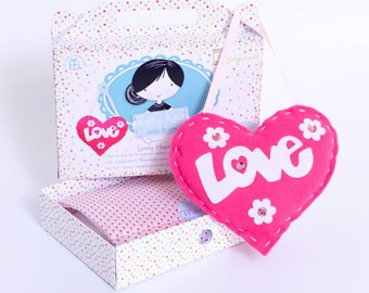 Felt Hanging Heart Sewing Kit in Pink