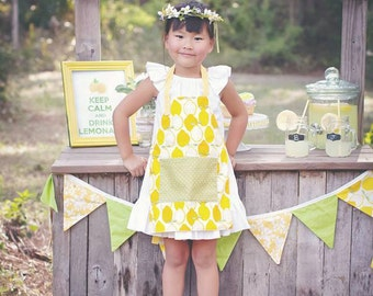 Kids Lemon Apron,   Lemonade stand, garden apron, arts and crafts, Lemon print, cotton handmade