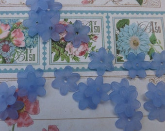Lucite beads, lucite flowers, blue flowers, plastic flowers,forget me not ,kawaii flowers