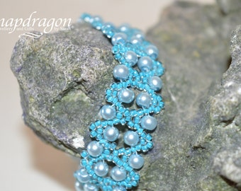 Turquoise and pale blue beaded bracelet with very strong German magnetic clasp