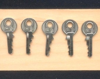 5 Tiny, Silver, Metal Keys for Arts and Crafts Projects