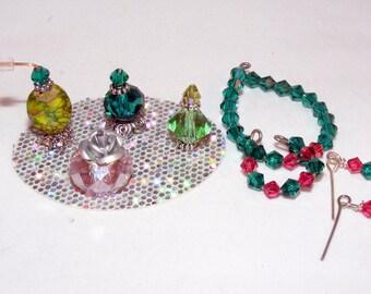 1:6, Barbie Size, Miniature Perfume Bottles, Vanity Tray, Jewelry, Necklace, Earrings, Bracelet, Doll House, Dollhouse, Handmade, Toiletries