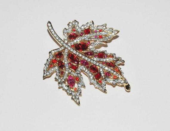 Nolan Miller Crystal Maple Leaf Pin Brooch S1179