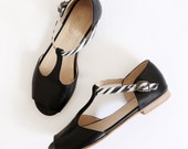 ON SALE 30% leather sandals women's black T-strap flat
