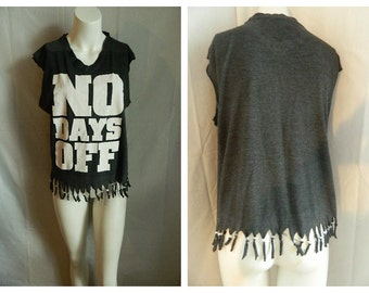 30% OFF Recycled Novelty ' No Days Off' V Neck / cut and fringed shirt size S-L