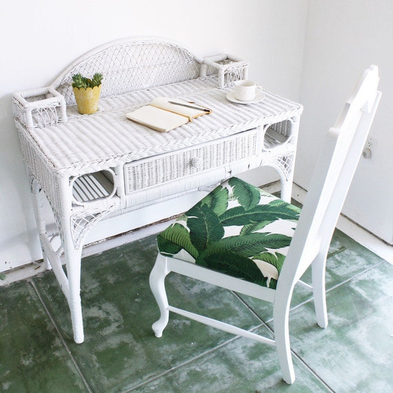 WICKER DESK VANITY White Wicker Desk Or Vanity By