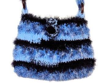 Cross Body Bag, Cross Body Purse, One of a Kind Handbag, Messenger Bag, Crochet Bag, Handmade by Sue Maun