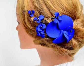 Royal blue hair clip Romantic headpiece blue Hair jewellery Bridesmaid hair piece Wedding fascinator Hair comb flower hair pin