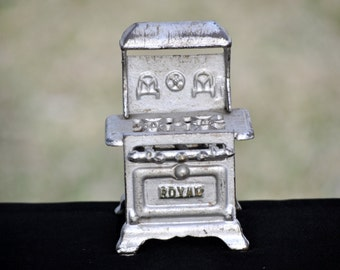 Minature Vintage Toy Stove, metal, collectble, cast iron antique toy,childs toy, #1227