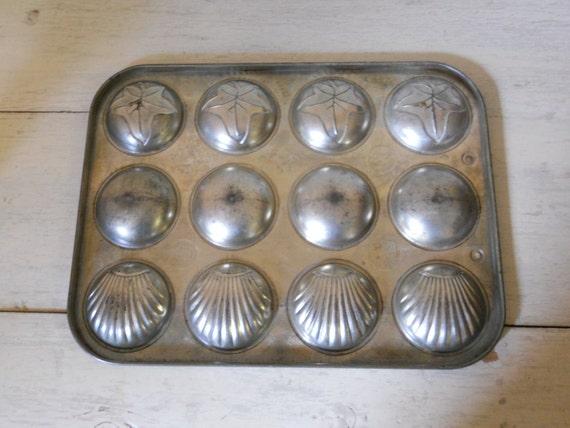Vintage Madeline Pan Minute Maid