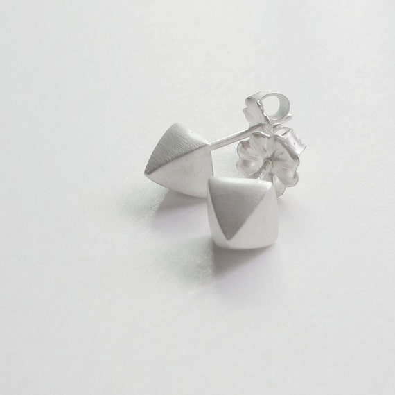 pyramid studs earrings pyramid earrings pyramid studs silver earrings silver 3597