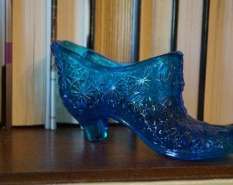 Vintage Daisy Glass Slipper
