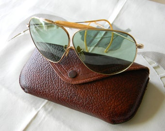 True vintage rare American Optical Ful Vue 1/10-12 K G F Calobar Sunglasses With genuine leather case 1940's.Made in USA. EXC*****