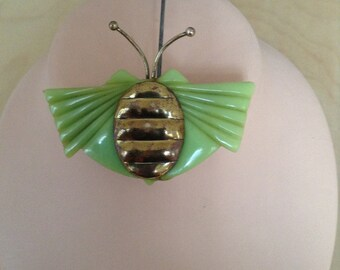 "70s ""butterfly"" brooch (green)"
