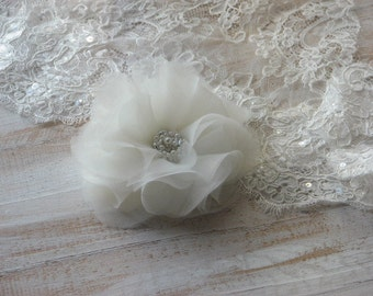 Ivory hair flower Ivory wedding flower Ivory hair accessory Ivory hair flower Ivory headpiece Ivory hair flower Silk hair flower Hair pins