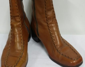 Vintage boots in size 10