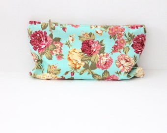 Flowers clutch in fresh colours