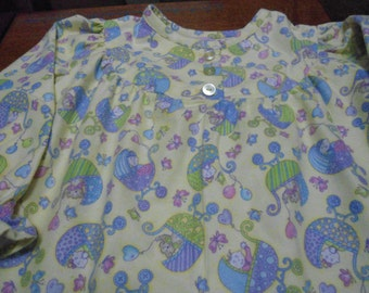 Size 4 Girls Pajama with buggys on yellow