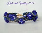 Handmade bracelet, macrame bracelet, blue and gold, glass beads, crystals