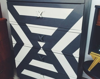 Black dresser with beautiful geometry. Unique creation that will attract the eye! (4 drawers)