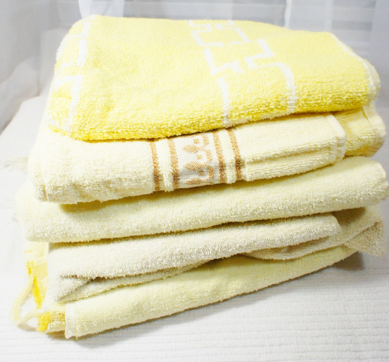 Reproduction Vintage Bath Towels: Vintage Lot Of 5 Yellow Bath Towels Mixed Set 3 Cannon By