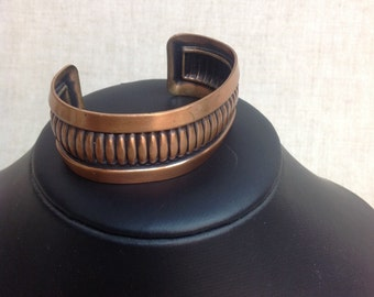 Vintage solid copper cuff braclet.