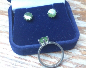 vintage boxed sterling silver and jade ring and earrings set