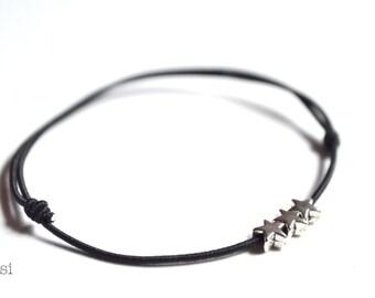 Elastic cord bracelet 3 stars