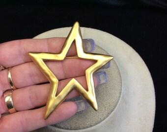 Vintage Goldtone Star Pin