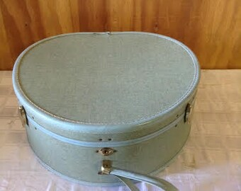 No. 10 Vintage Luggage/SuitCase Vintage Hard Shell Baby Blue Vinyl Carry On Train Case Hat Box Suitcase