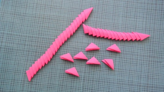 320 hot pink 3d origami triangle pieces from leesorigami on etsy studio. Black Bedroom Furniture Sets. Home Design Ideas