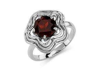 14K Gold Circle Garnet Ring, Garnet Ring, Gold Ring, Fancy Ring, Fancy Jewelry, Garnet Jewelry, Gold Jewelry, Garnet