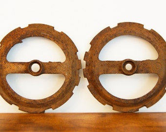 Vintage Rustic Gears Metal Industrial Farm Design 1940's