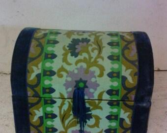 Folk art box