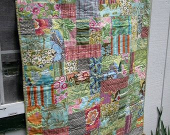 Modern Baby Quilt with Amy Butler fabrics